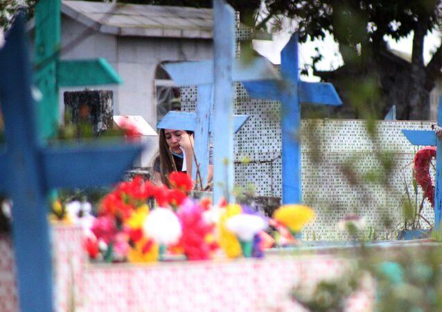 Cemitério em Manaus, capital do Amazonas, durante a pandemia da COVID-19, em 8 de maio de 2021