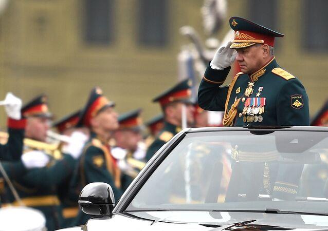 Ministro da Defesa da Rússia Sergei Shoigu na Praça Vermelha durante o desfile militar no Dia da Vitória em Moscou, Rússia, 9 de maio de 2021