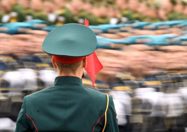 Militares das tropas na Parada da Vitória durante o desfile militar em Moscou, Rússia, 9 de maio de 2021