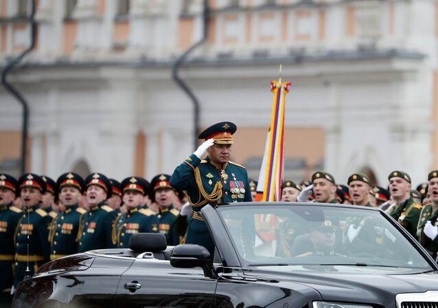 Ministro da Defesa da Rússia, Sergei Shoigu, durante o desfile militar na Praça Vermelha em Moscou no Dia da Vitória, 9 de maio de 2021