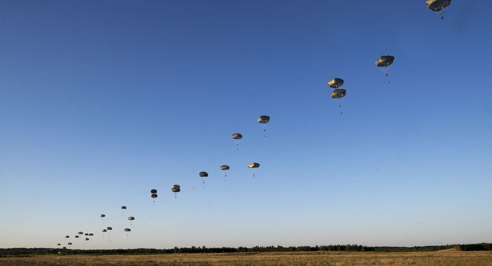Paraquedistas da 82ª divisão das Forças Aerotransportadas dos EUA