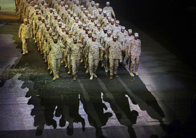 Soldados sauditas desfilam em Riad, Arábia Saudita, 21 de setembro de 2019