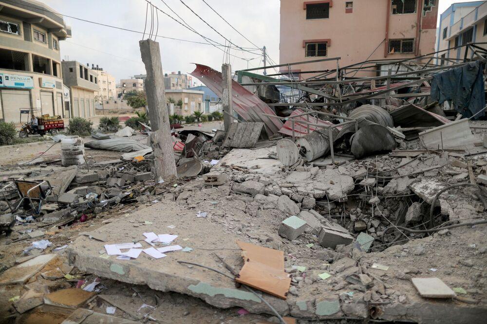 Área atingida por ataque israelense em Gaza