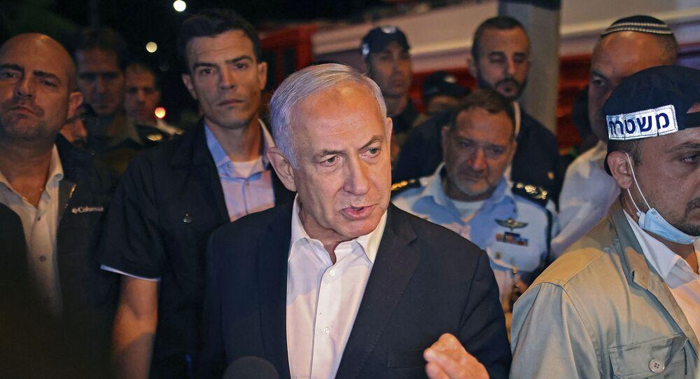 O primeiro-ministro de Israel, Benjamin Netanyahu, em visita à cidade de Lod