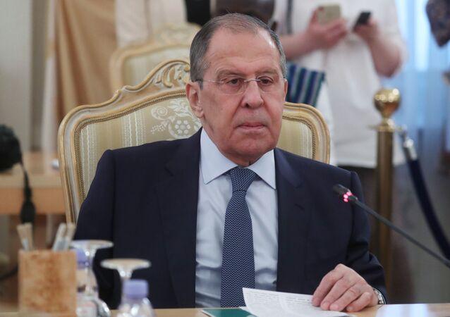 Ministro das Relações Exteriores, Sergei Lavrov, durante coletiva de imprensa conjunta com seu homólogo de Serra Leoa, David John Francis