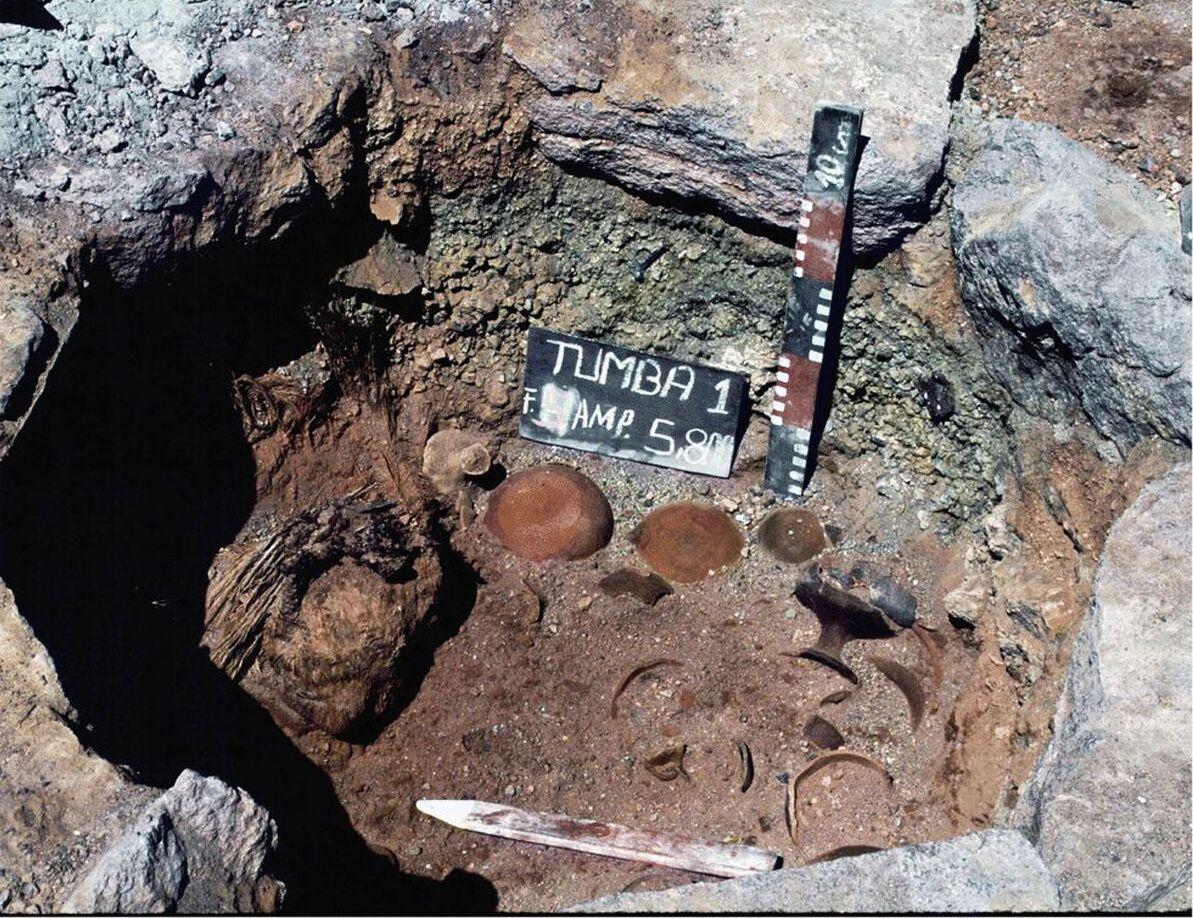 Uma antiga tumba no vulcão de Ampato, no Peru