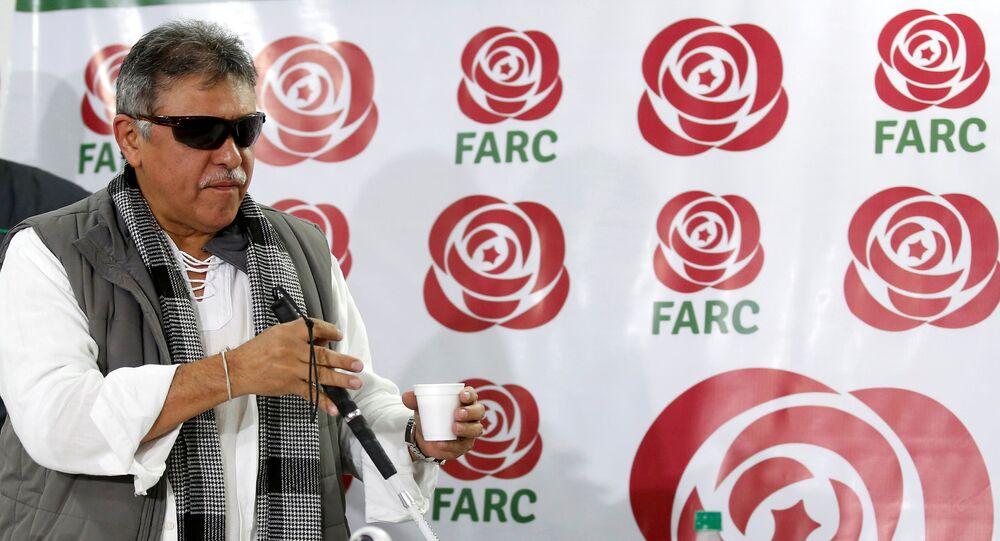 Jesús Santrich, ex-líder das Forças Armadas Revolucionárias da Colômbia, durante coletiva de imprensa em Bogotá