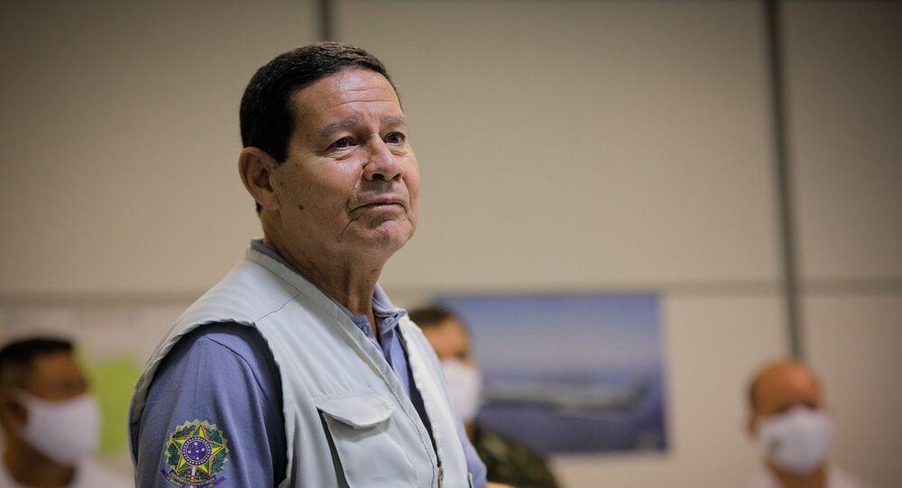 O Vice-Presidente da República, Hamilton Mourão, durante visita ao Centro de Monitoramento da Amazônia (CENSIPAM);