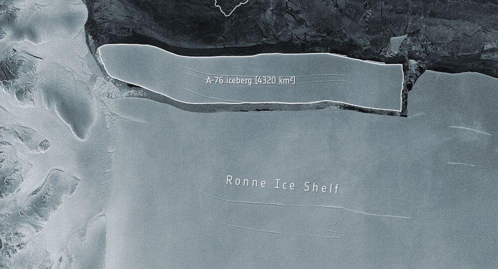 Imagem divulgada pela ESA em 20 de maio de 2020, capturada pelo satélite Copernicus, do iceberg A-76 na Antártica