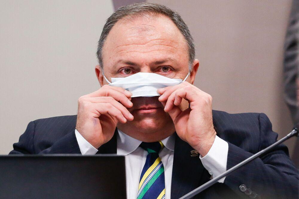 Ex-ministro da Saúde do Brasil, Eduardo Pazuello, depondo na CPI da Covid, 19 de maio de 2021
