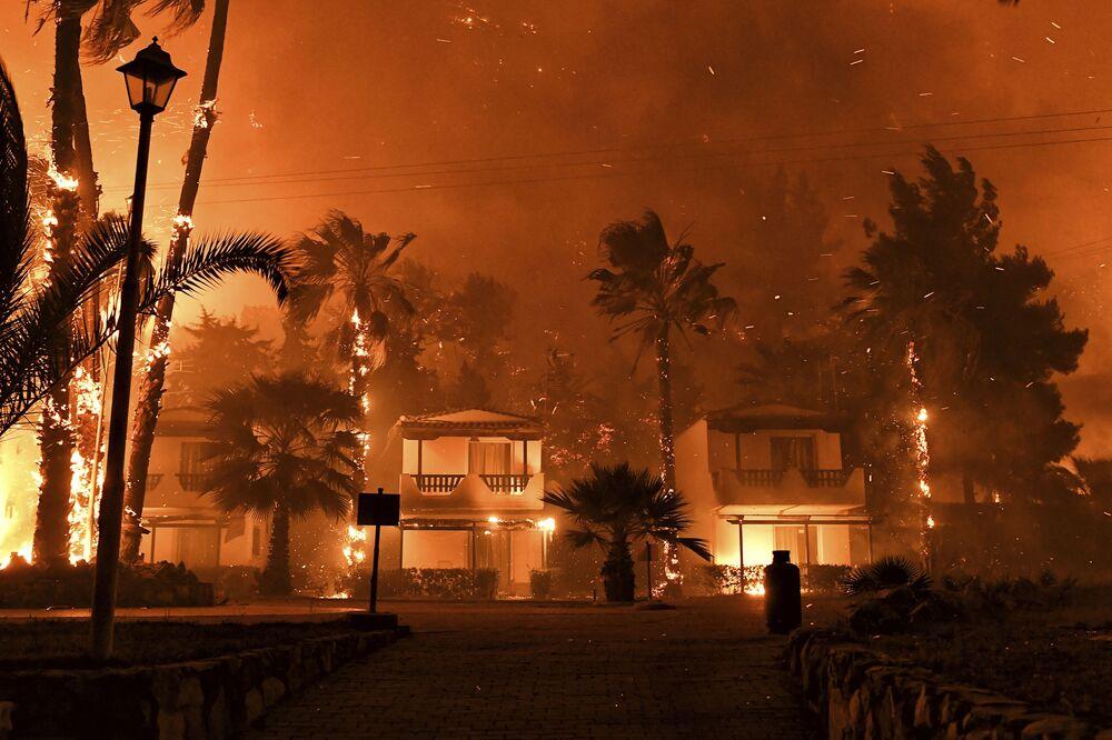 Incêndio florestal na Grécia, 20 de maio de 2021