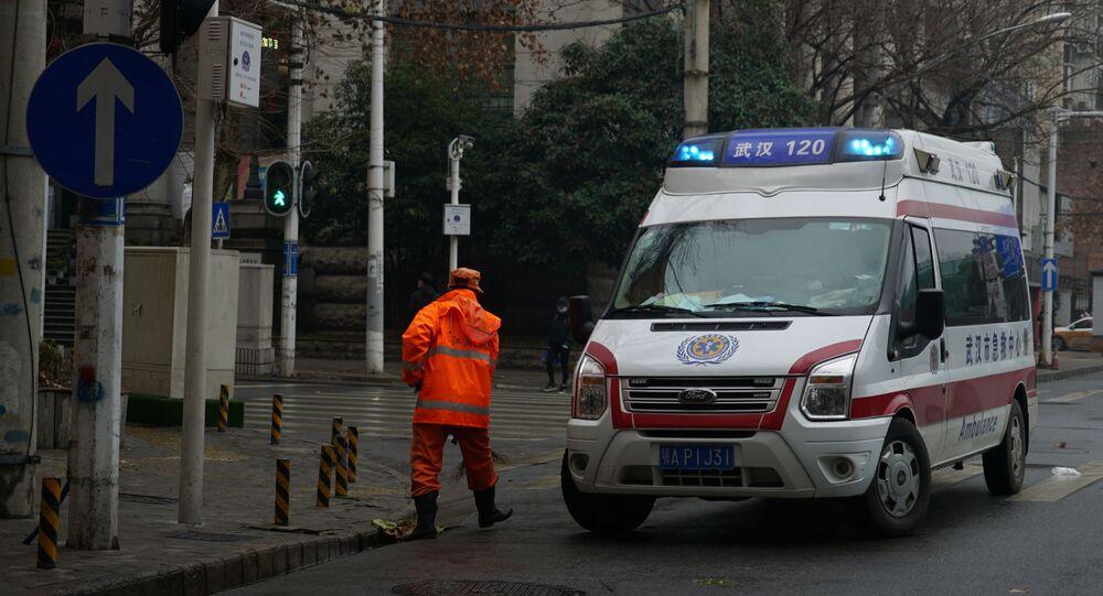 Uma ambulância em Wuhan, China, em 22 de janeiro de 2020
