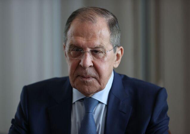 Sergei Lavrov, ministro das Relações Exteriores da Rússia, participa de reunião com seu homólogo grego Nikos Dendias em Sochi, Rússia, 24 de maio de 2021