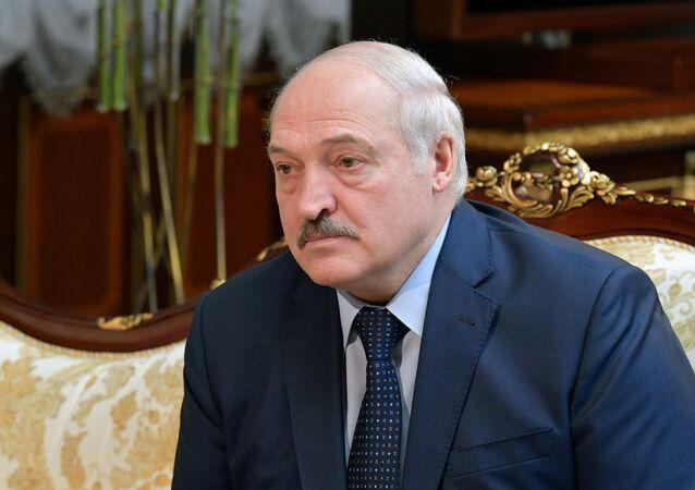 Aleksandr Lukashenko, presidente da Belarus, participa de reunião com Mikhail Mishustin, primeiro-ministro da Rússia (fora da foto) em Minsk, Belarus, 16 de abril de 2021