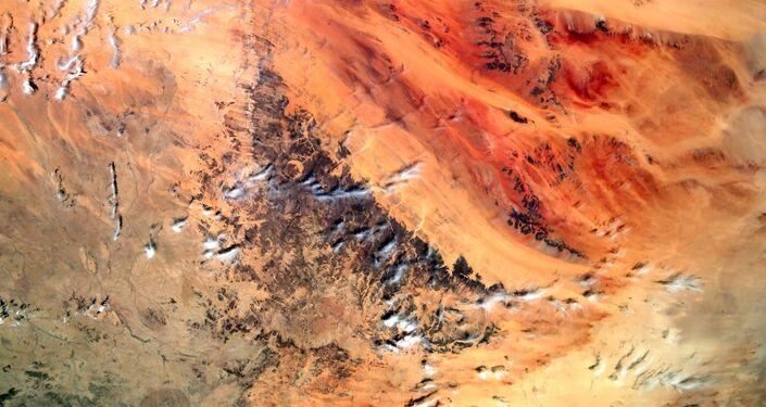 Vista a partir do espaço da formação geológica conhecida como Olho do Saara, localizada na África Ocidental