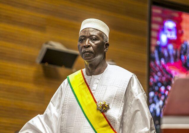 O presidente do Mali, Bah Ndaw, durante cerimônia de posse em Bamaco, 25 de setembro de 2020