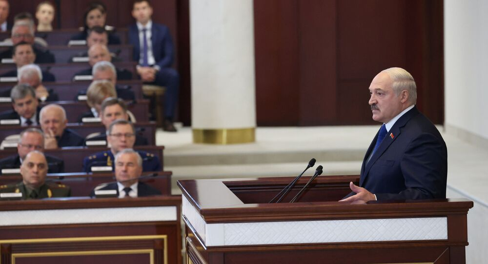 Presidente de Belarus, Aleksandr Lukashenko, faz discurso durante encontro com parlamentários, membros do Comitê Constitucional e representantes das administrações públicas, Minsk, Belarus, 26 de maio de 2021