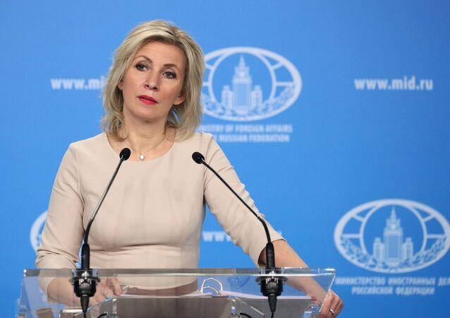 Representante oficial do MRE russo, Maria Zakharova, durante o briefing, 29 de abril de 2021