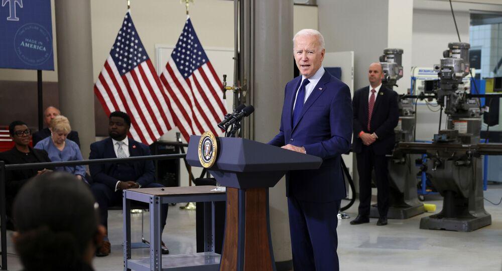 Presidente dos EUA, Joe Biden durante visita a Ohio, EUA, 27 de maior de 2021