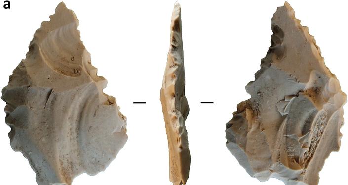 Ferramentas de pedra e osso do povo Toalean que viveu na ilha indonésia de Sulawesi entre 8.000 e 1.500 anos atrás