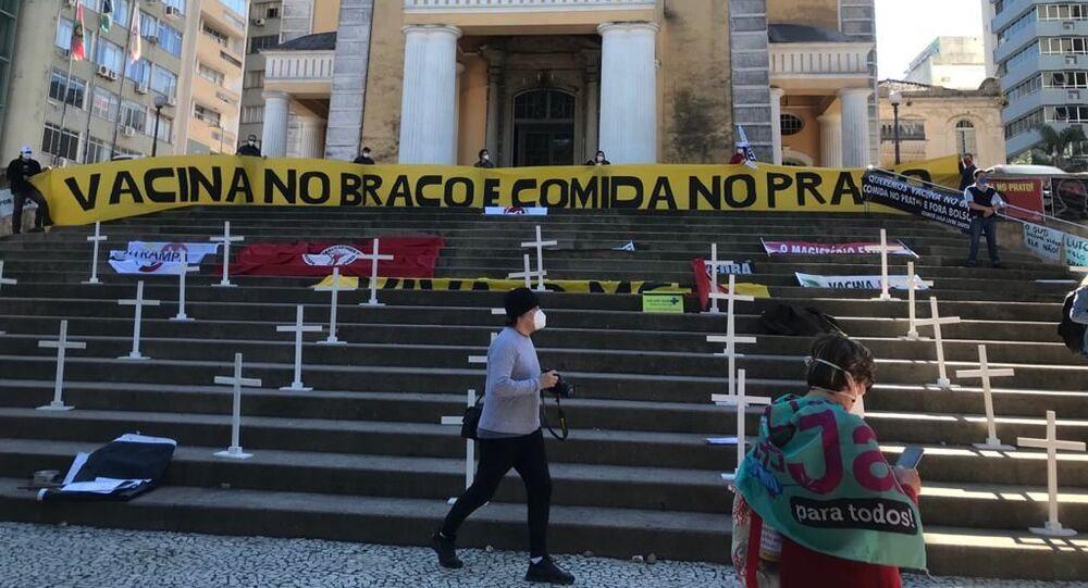 Ato contra a fome e em defesa da vacina e do auxílio emergencial em meio à pandemia da COVID-19 realizado na última quarta-feira, 26 de maio de 2021, em Florianópolis, Santa Catarina