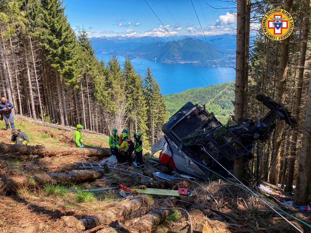 Local do colapso de teleférico no norte da Itália, que deixou pelo menos 14 mortes