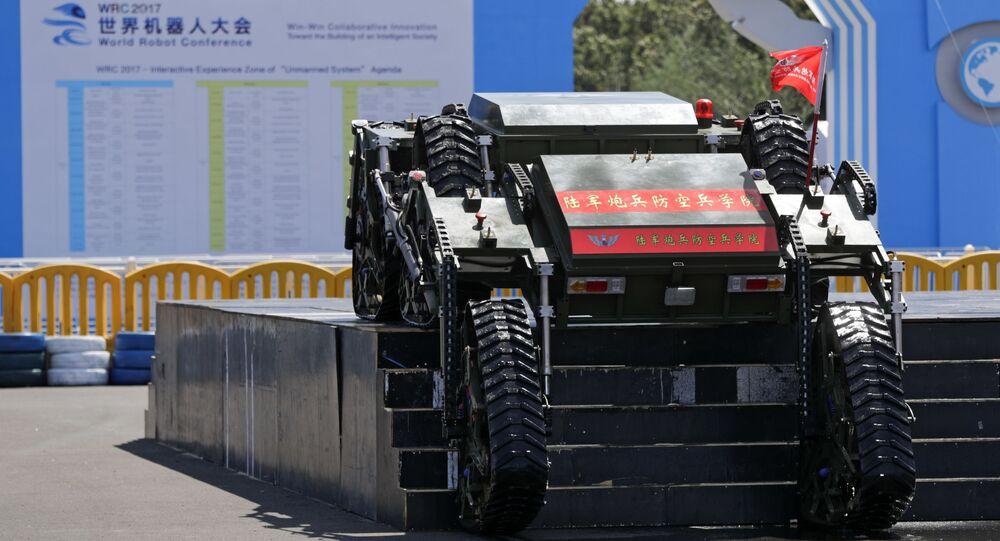 Robô desenvolvido pelo Instituto do Exército de Libertação Popular da China (ELP)