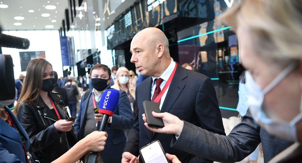 Anton Siluanov, ministro das Finanças da Rússia, durante um briefing no âmbito do Fórum Econômico Internacional em São Petersburgo, 3 de junho de 2021