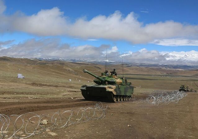 Tanque leve chinês Type 15