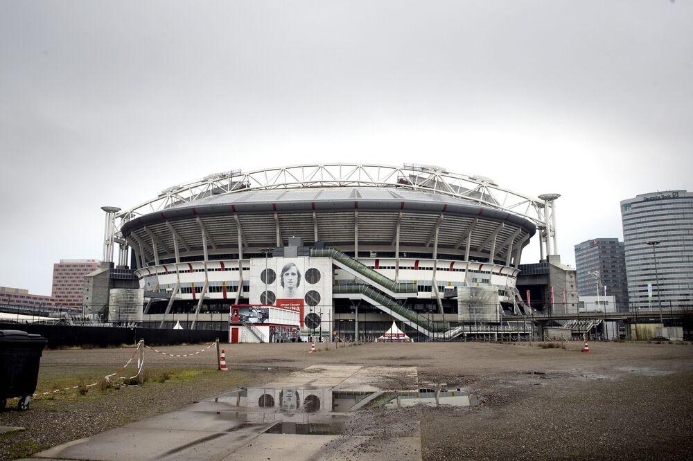 Estádio Johan Cruijff Arena em Amsterdã, Países Baixos, 5 de fevereiro de 2021