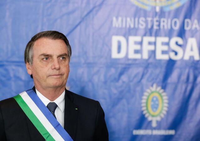 O presidente Jair Bolsonaro,  participa da cerimônia comemorativa aos 20 anos de criação do Ministério da Defesa e imposição da Ordem do Mérito da Defesa, 10 de junho de 2019