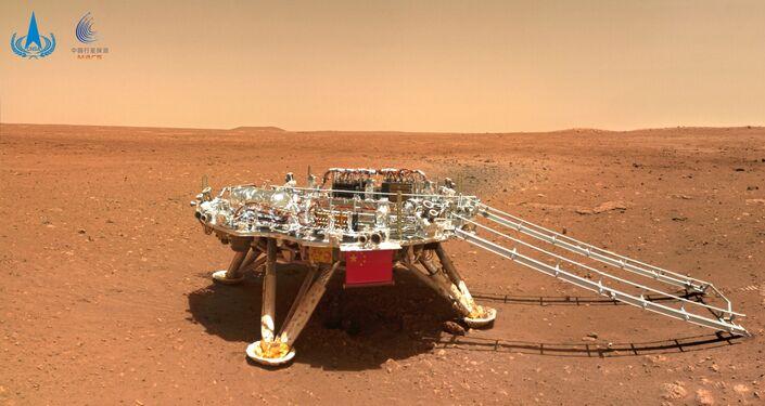 Imagem da superfície de Marte feita pelo rover chinês Zhurong