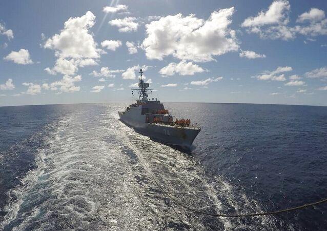 Navio militar iraniano em foto divulgada pela Marinha do Irã em 10 de junho 2021