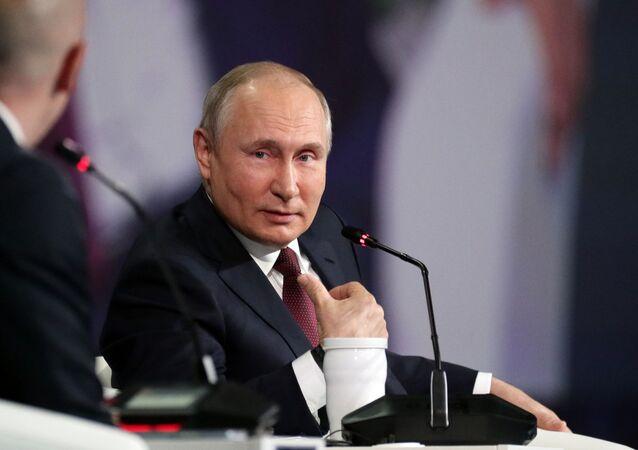 Vladimir Putin, presidente da Rússia, discursa no Fórum Econômico Internacional de São Petersburgo