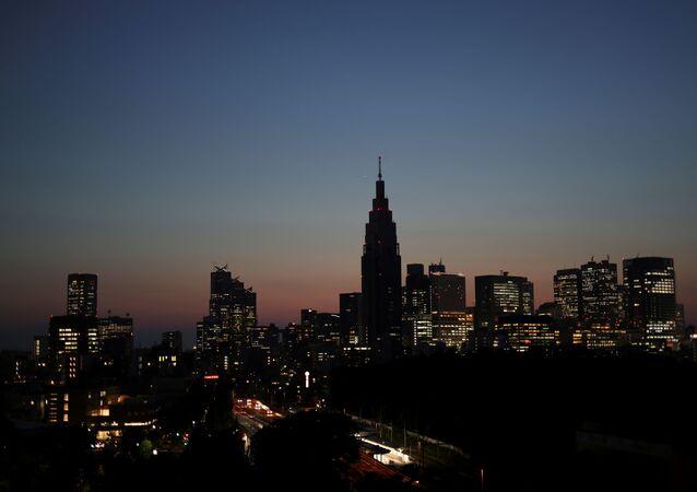 Pôr do sol em Tóquio, Japão, 10 de junho de 2021
