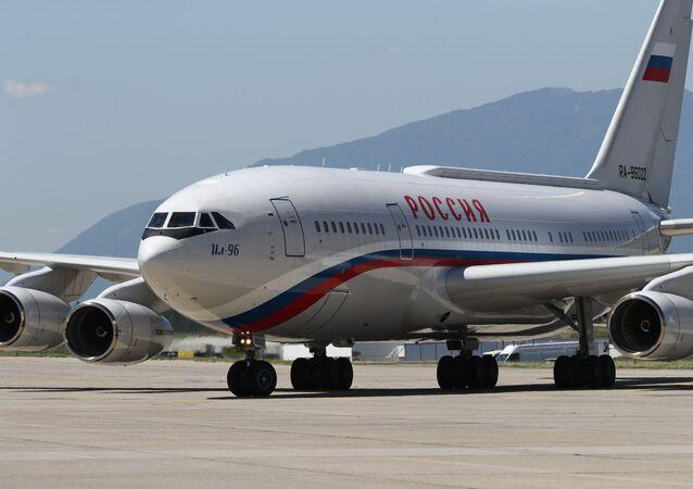 Avião do presidente Vladimir Putin no aeroporto de Genebra, 16 de junho de 2021