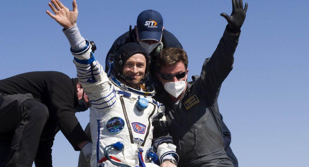 Sergei Kudi-Sverchkov, cosmonauta da Rússia, membro da tripulação de expedição da Estação Espacial Internacional, após desembarcar de veículo de descida da nave espacial tripulada Soyuz MS-17, no Cazaquistão