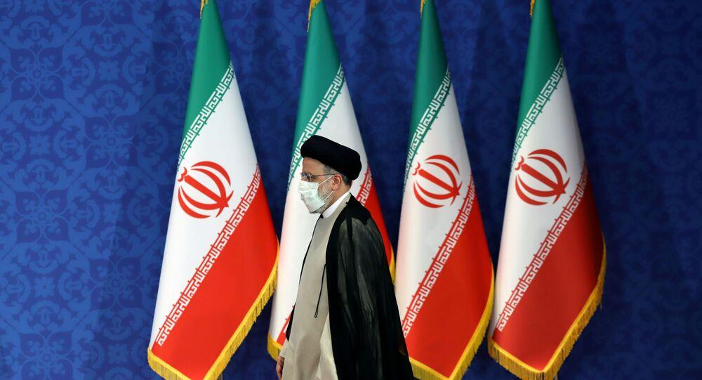 Presidente eleito do Irã, Ebrahim Raisi, participa de coletiva de imprensa em Teerã