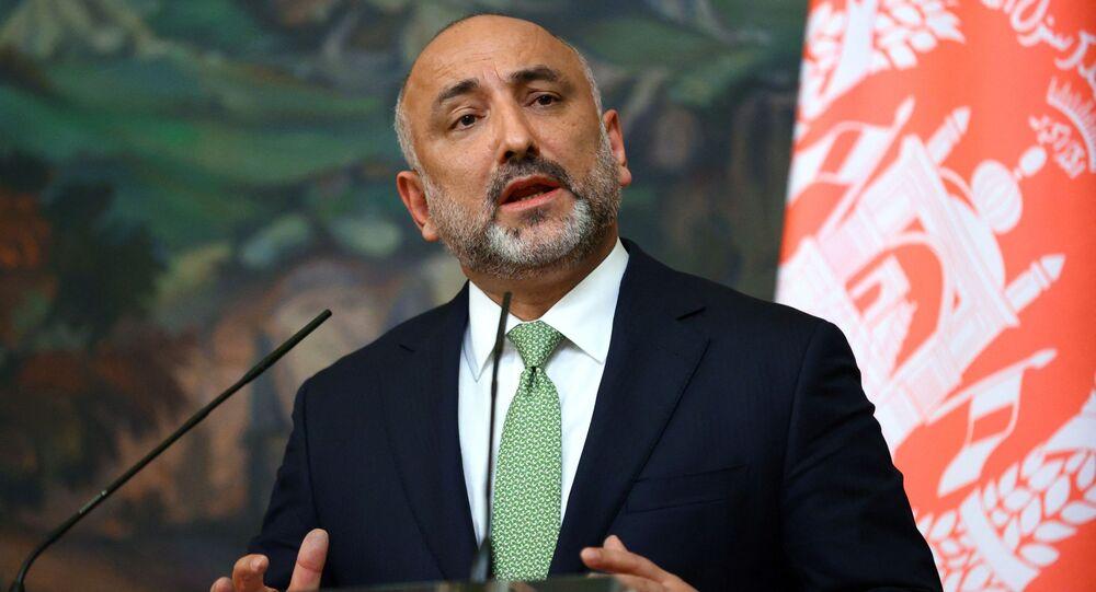 Ministro das Relações Exteriores do Afeganistão, Mohammad Hanif Atmar, fala durante coletiva de imprensa em Moscou, Rússia. Foto de arquivo
