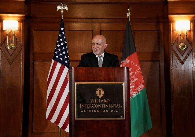 Ashraf Ghani, presidente do Afeganistão, fala durante coletiva de imprensa no Hotel Willard em Washington, EUA, 25 de junho de 2021