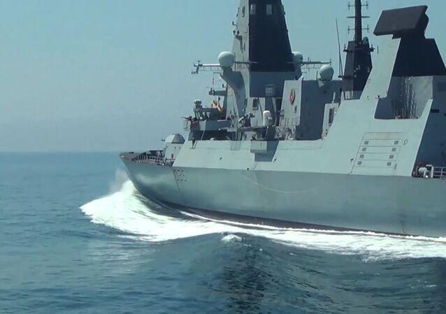 Destróier HMS Defender, Type 45, da Marinha Real britânica no mar Negro, em 23 de junho de 2021