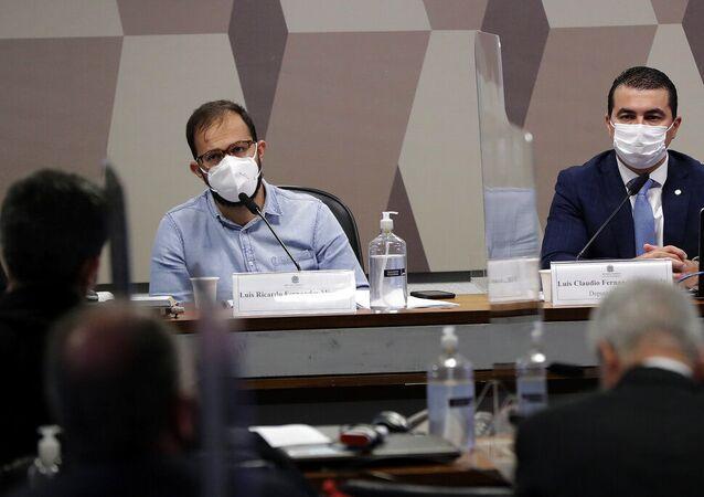 Luis Ricardo Fernandes Miranda, servidor do Ministério da Saúde, saiu, e seu irmão, o deputado Luis Miranda, participam de audiência da CPI da Covid no Senado Federal, em Brasília, Brasil, sexta-feira, 25 de junho de 2021