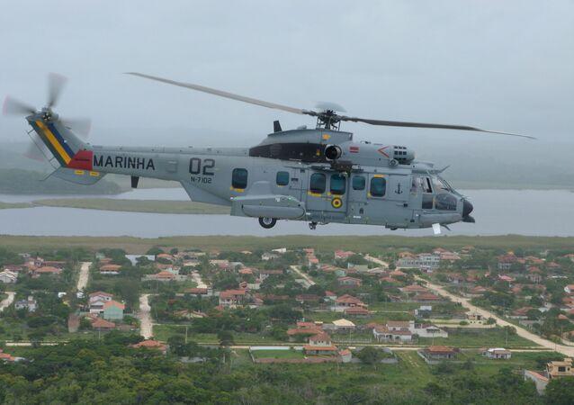 Aeronave UH-15 Super Cougar da Marinha do Brasil
