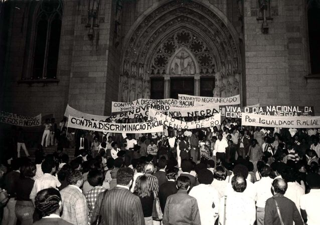 Integrantes da Marcha do Movimento Negro Unificado, em São Paulo. Foto de arquivo