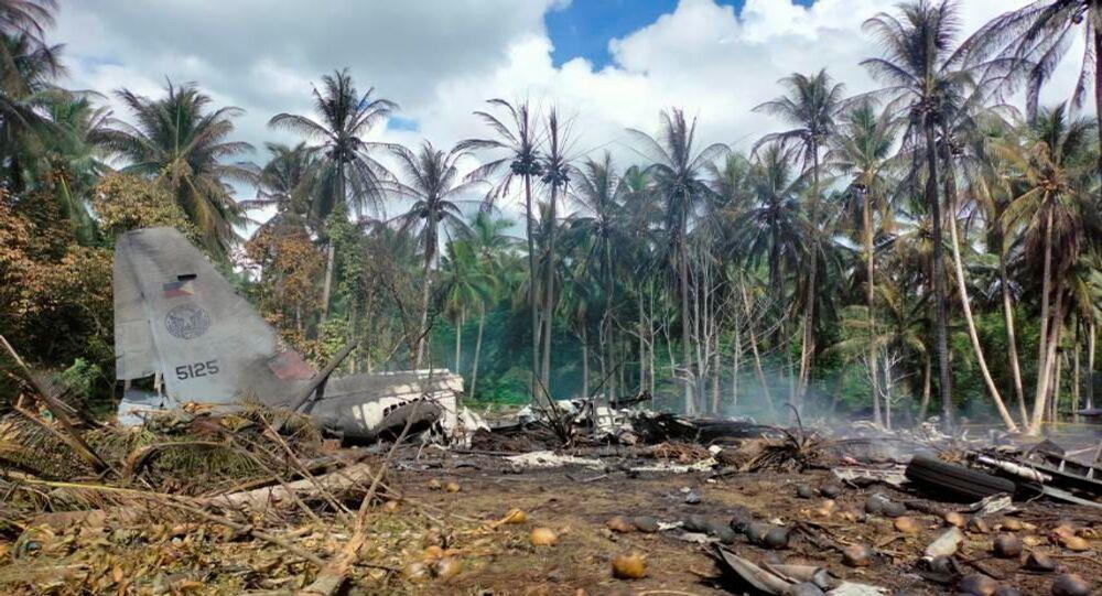 Local de queda do avião Lockheed C-130 da Força Aérea filipina em Patikul, na província de Sulu, Filipinas, 4 de julho de 2021