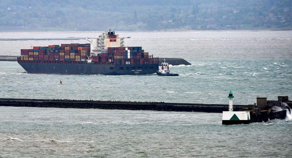 Navio liberiano CSAV Tyndall entrando no porto de Le Havre, norte da França, 9 de maio de 2019