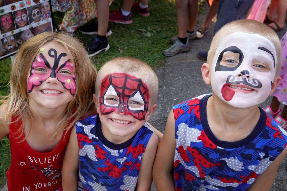 Crianças durante celebrações do Dia da Independência no estado do Tennessee, EUA, 4 de julho de 2021