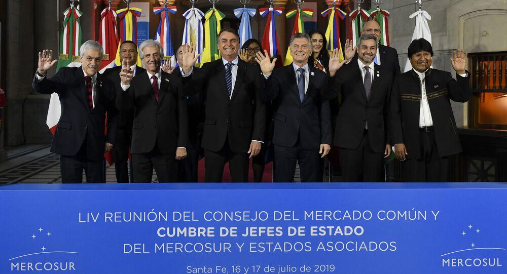 Líderes de países do Mercosul posam na última cúpula realizada em Santa Fé, Argentina, em 17 de julho de 2019, antes da pandemia. O primeiro à esquerda é Sebastián Piñera, presidente do Chile. O país sempre está presente nos eventos do bloco.