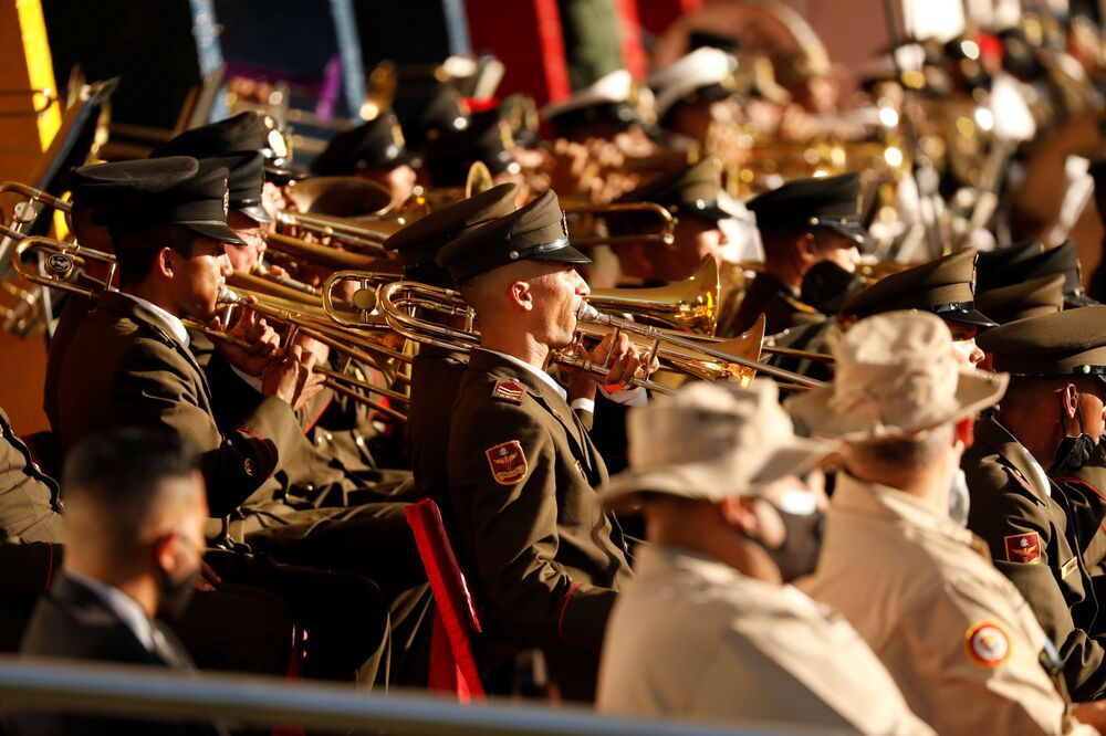 Banda militar no desfile militar dedicado ao Dia da Independência da Venezuela, em Caracas, 5 de julho de 2021