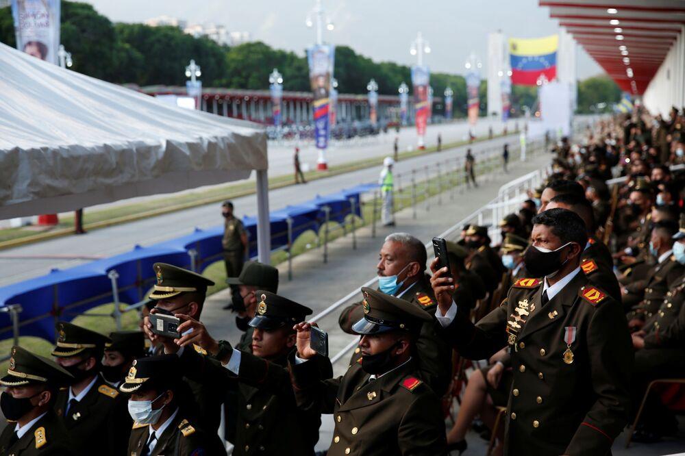 Militares da Guarda Nacional Bolivariana no desfile comemorativo do Dia da Independência da Venezuela, em Caracas, 5 de julho de 2021